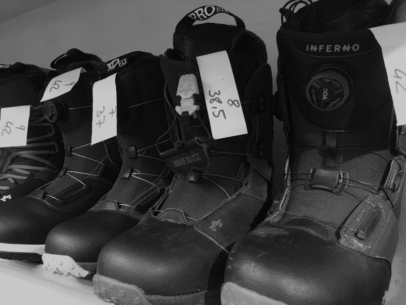 VERLEIH - Boots